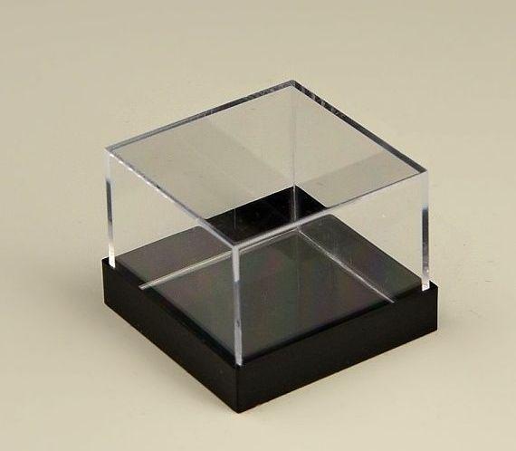 Plastová krabička na minerály a fosílie černá 50ks