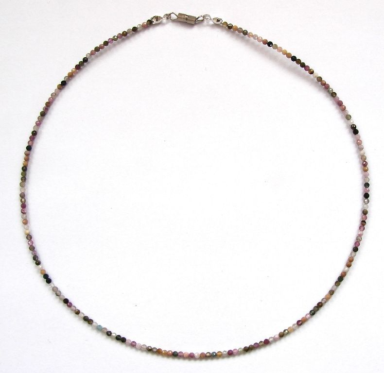 Fazetovaný turmalín - náhrdelník (10)