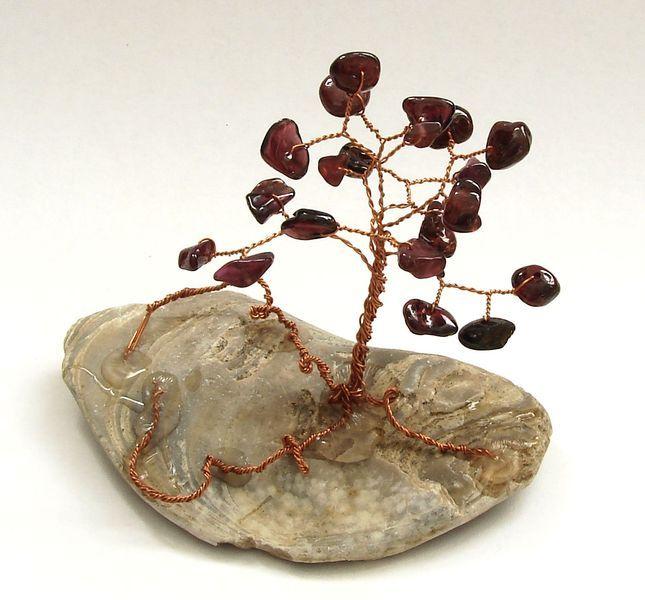Stromeček štěstí z granátu (6)