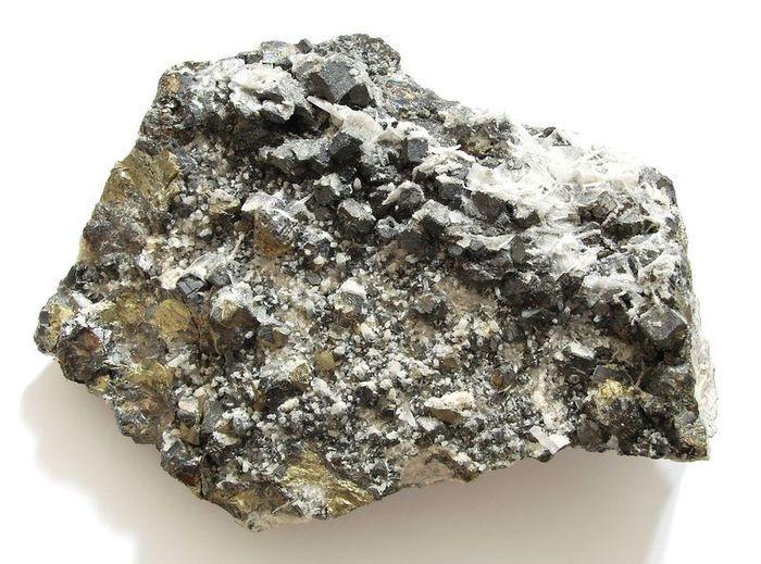 Nerosty galenit, baryt a chalkopyrit - Hodruša - Hámre (1)