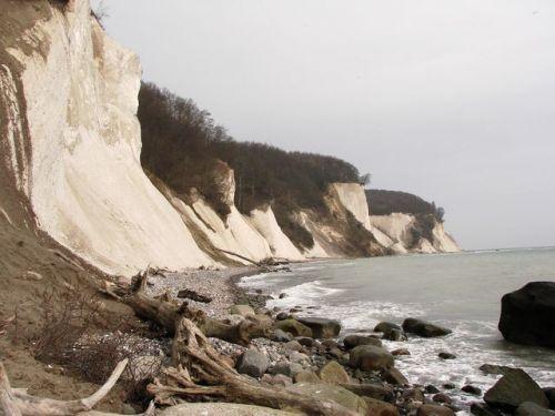 Pás útesů severně od Sassnitz