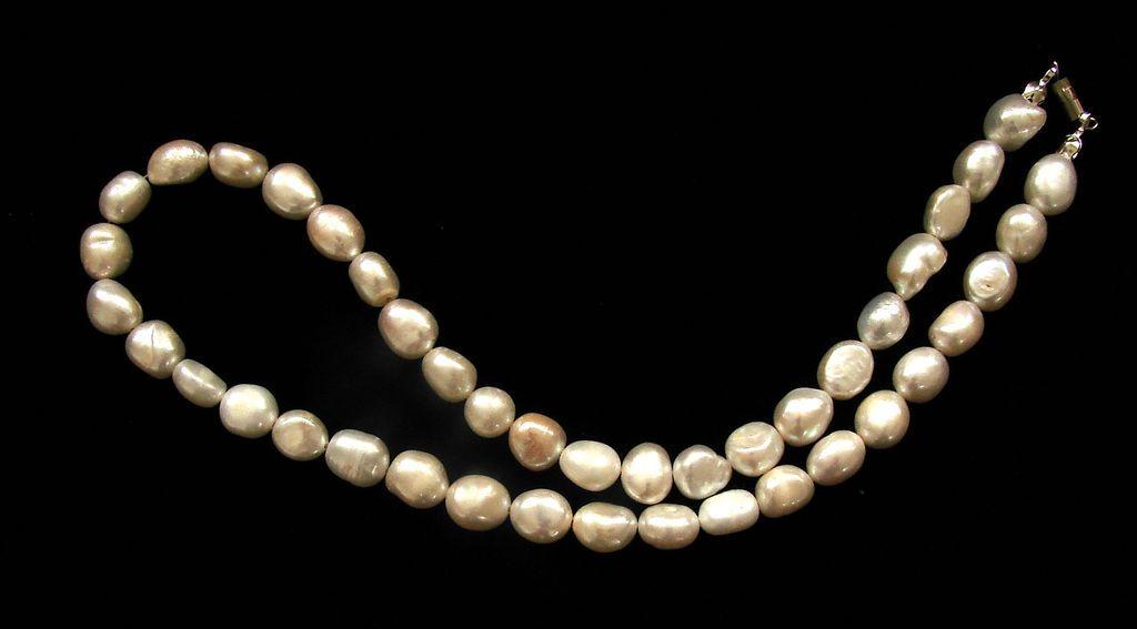 Perlový náhrdelník. Bílé barokové perly (2)