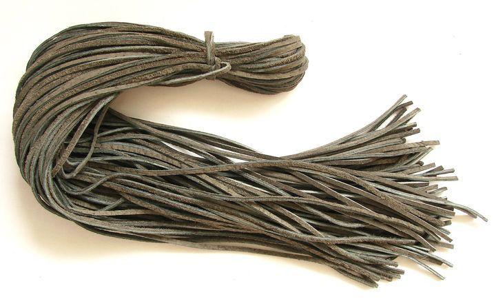Kůže - šedá, 55 až 60 cm