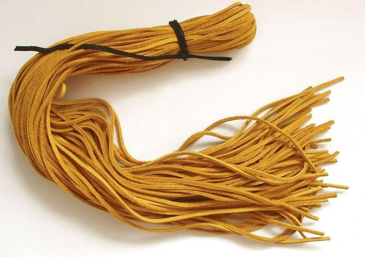 Kůže - žlutá, 55 až 60 cm