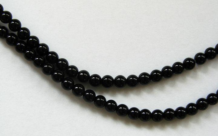 ONYX - kuličky 4 mm (1)