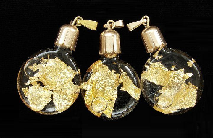 Zlato - plochá lahvička - přívěšek (1)