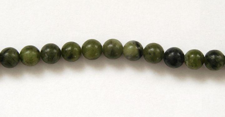 přírodní NEFRIT olivový - kuličky 6 mm (1)