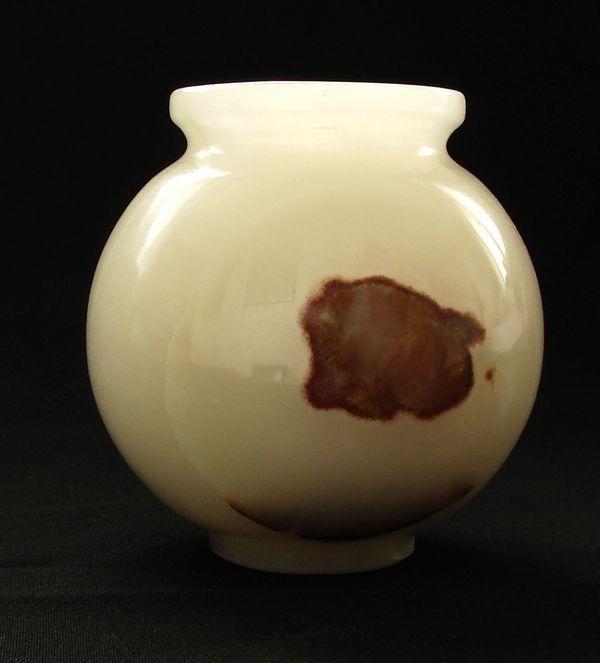 Váza z aragonitového onyxu (4)